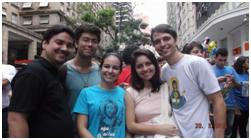 Jovens da Comunidade Emanuel participam de Domingo de Ramos da Jornada Arquidiocesana da Juventude