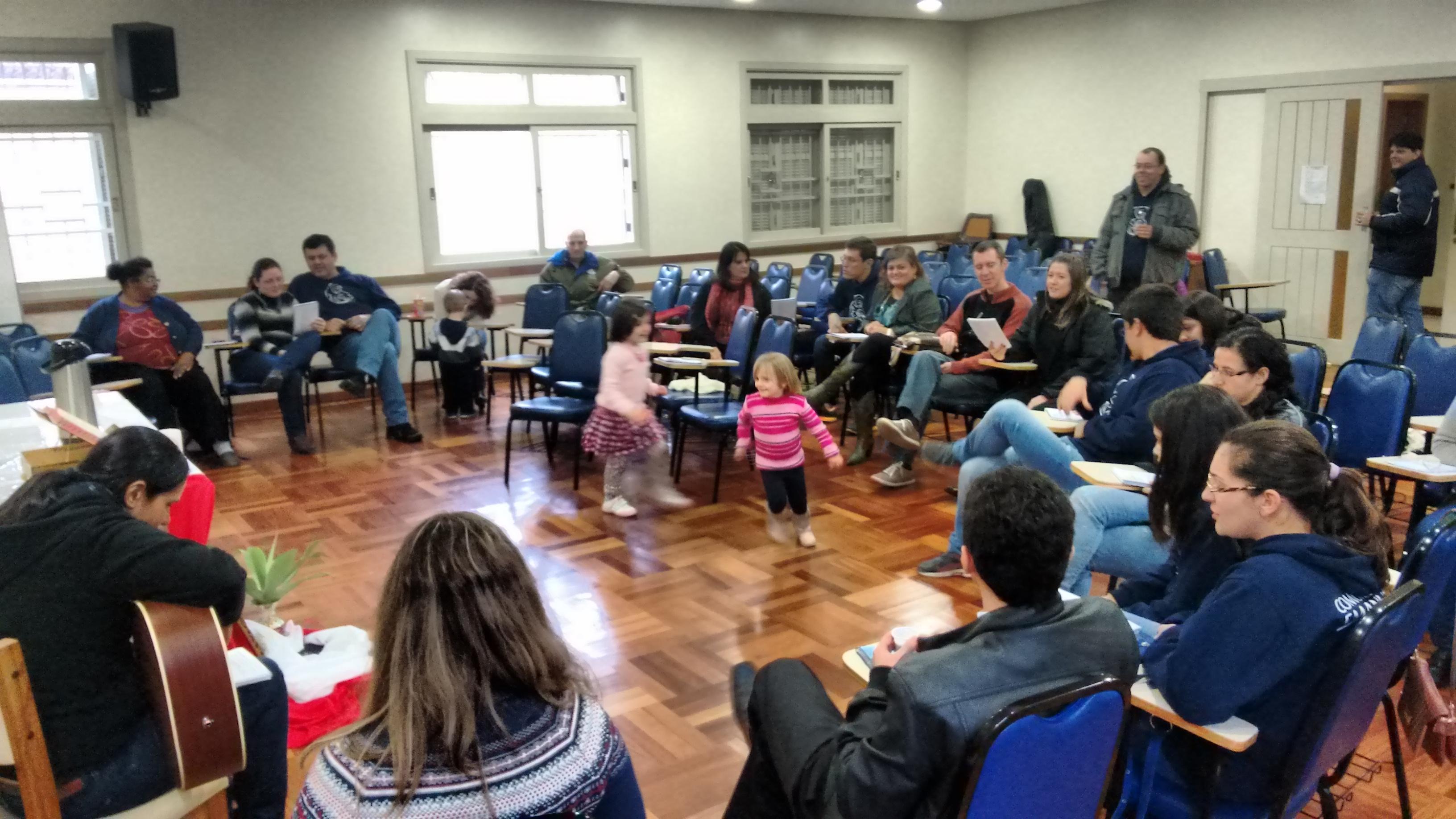 """""""Quem ama, faz comunidade; nunca fica sozinho"""". (Santa Teresa D'Ávila)"""
