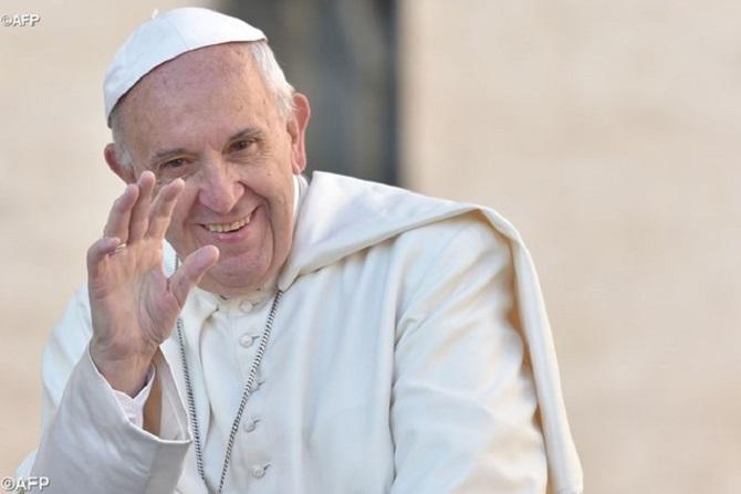 Em vídeo, Papa deseja Feliz Natal na língua de sinais