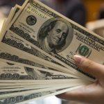 Dólar cai e vai à casa de R$3,15, em sintonia com exterior