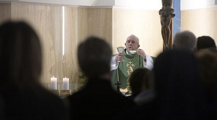 """Diante da tentação, peçamos a graça de ser """"justos"""" e """"misericordiosos"""""""