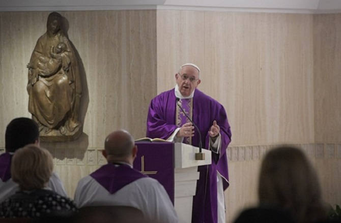 Papa Francisco: verdadeiro jejum é ajudar os outros