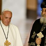 Francisco faz visita de cortesia a Tawadros II, chefe da Igreja Copta Ortodoxa
