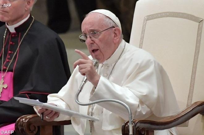 Papa a futuros sacerdotes: amizade com Jesus se manifesta no amor aos pobres