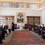 Papa reforça tolerância zero contra abusos de crianças