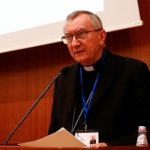 """Cardeal Parolin: """"Abusar de crianças é sacrilégio e profanação"""""""