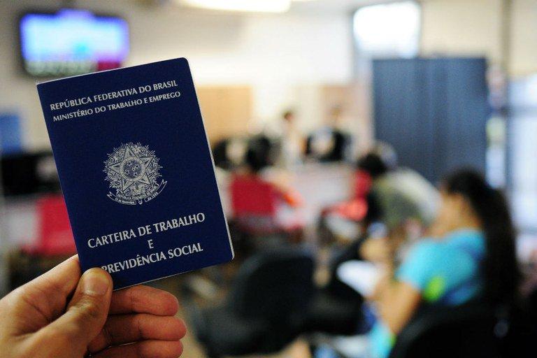 Pesquisa do IBGE aponta recuo de 0,6% no desemprego