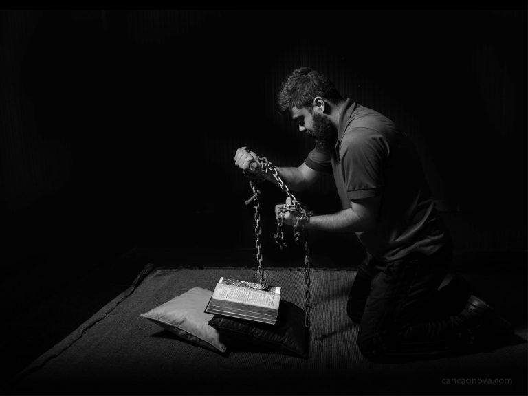 Como romper com o pecado através das virtudes?