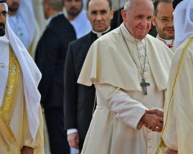 Diálogo inter-religioso marca o dia do Papa em Abu Dhabi