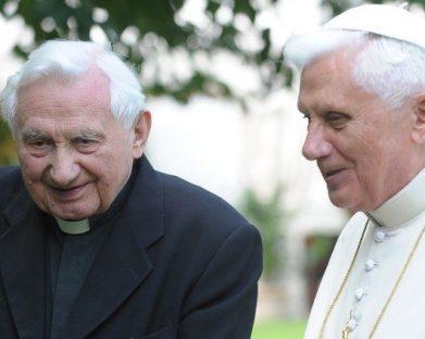 Bento XVI visita seu irmão na Alemanha